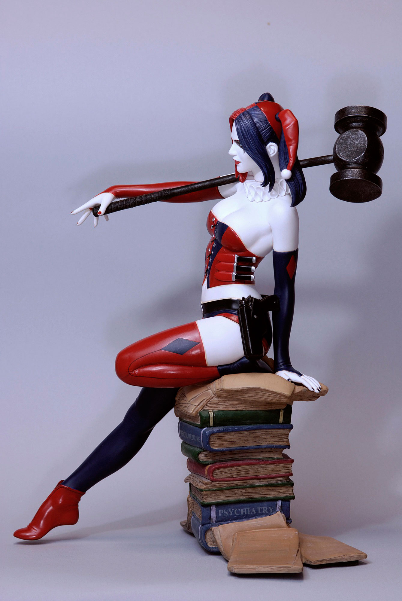 Harley Quinn by Luis Royo Web Exclusive Statue *NEW* Fantasy Figure Gallery